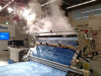 This innovative solution of steaming during the folding process increases quality and productivity in the processing of elastic materials