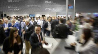 Thousands of visitors every day ... Photos: Pfaff Industrial