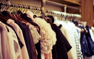 In the showroom, buyers can examine the designers' sample collection Photo: Forewer/Shutterstock