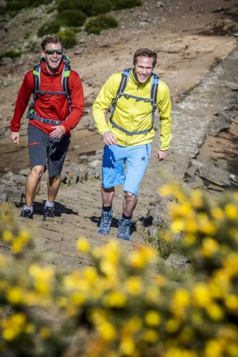 47 percent of survey participants pack their backpacks in order to enjoy the beauty of nature. For a quarter, hiking means one thing above all: red...