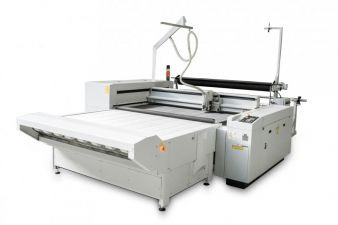 L-1200 Conveyor, perfectly suitable for automatic textile cutting directly from the roll Photo: eurolaser
