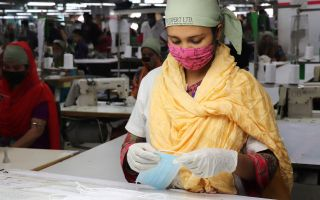 Face-Mask-Production-in-Denim.jpg