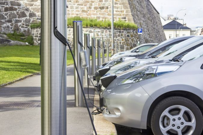 Electric cars – one of many possible appli­cations for battery systems