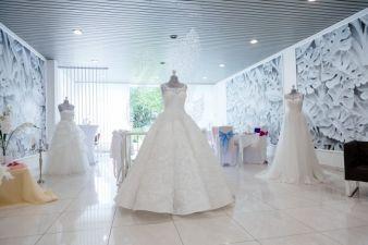 Hochzeit-Brautkleid.jpg