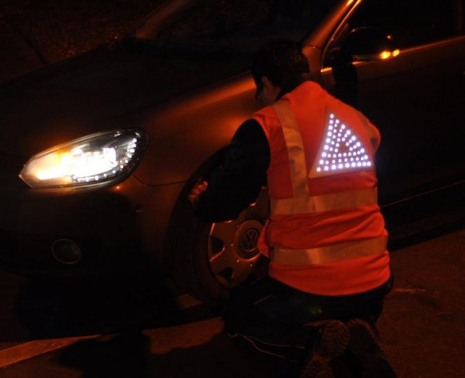 The actively shining reflective vest Photos: TITV Greiz