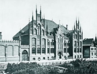 Historical view of the main building for the faculty of textile and clothing technology (textile education since 1901), Mönchengladbach Photo: IFKT