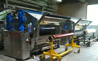 Jigmaster, presented a ITMA Barcelona. The Jigger is able to save water and energy by applying the counter flow rinsing principle to discontinuous...