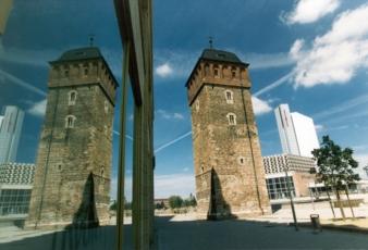 Chemnitz-Roter-Turm-Stadthalle.jpg