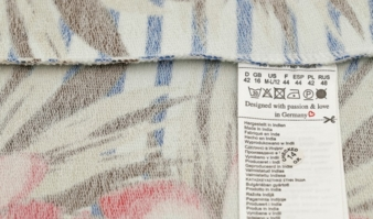 Label: RFID chips sewn in the care label Photo: nnattalli/Shutterstock