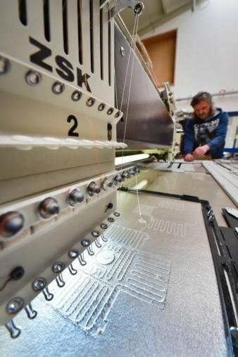 Heating elements produced using stitching and embroidery technology Photos: W. Reuter & Sohn Spitzen und Stickereien
