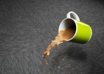 Ein in die Faser integrierter Stainblocker verringert die Chancen einer Anfärbung durch Farbstoffe aus Getränken wie Tee Photo: Invista